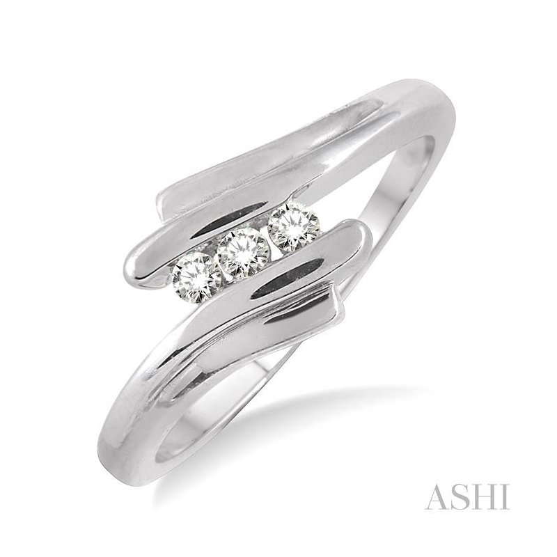 ASHI three stone diamond wedding band