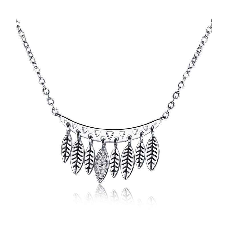 LARUS Jewelry Leafy Necklace