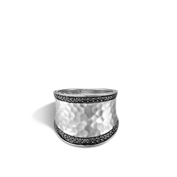 Classic Chain Saddle Ring in Hammered Silver with Gemstone