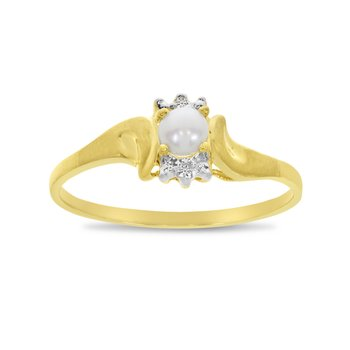 10k Yellow Gold Freshwater Cultured Pearl And Diamond Satin Finish Ring