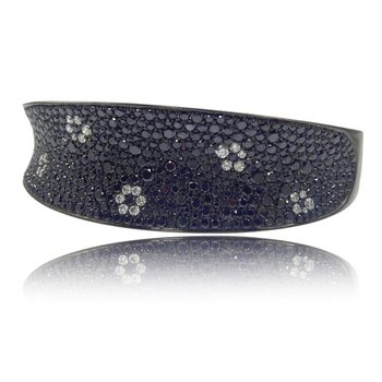 Gothica Flower Bangle