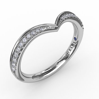 Tapered Shared Prong Chevron Diamond Band