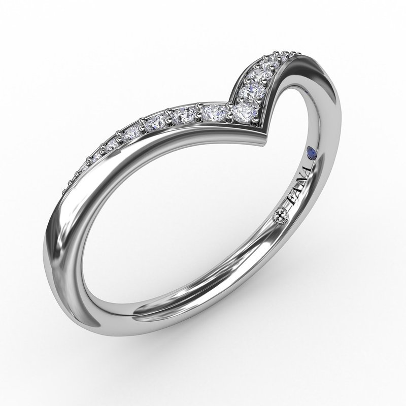 Polished and Tapered Shared Prong Chevron Diamond Band