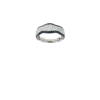 18KT GOLD RING WITH BLACK AND WHITE DIAMONDS