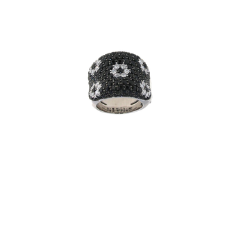 18Kt Gold Flower Ring With Black White Diamonds And Black Sapphires