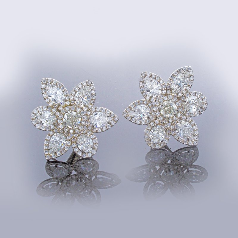 William Levine MULTI SHAPE DIAMOND CLUSTER EARRINGS