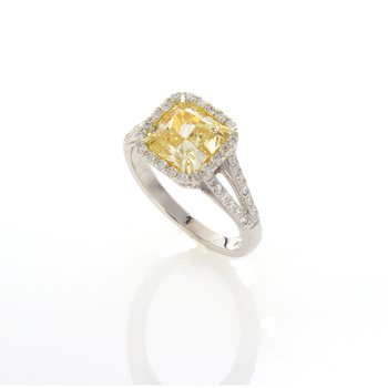 LIGHT YELLOW RADIANT CUT 2.01 CT