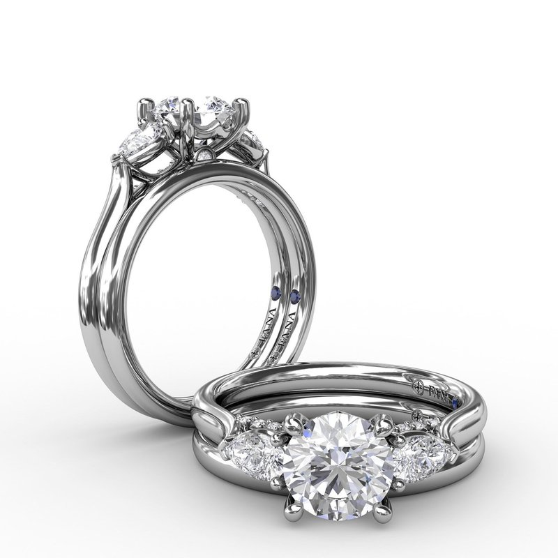 Fana Classic Three-Stone Diamond Engagement Ring With Pear-Shape Side Diamonds
