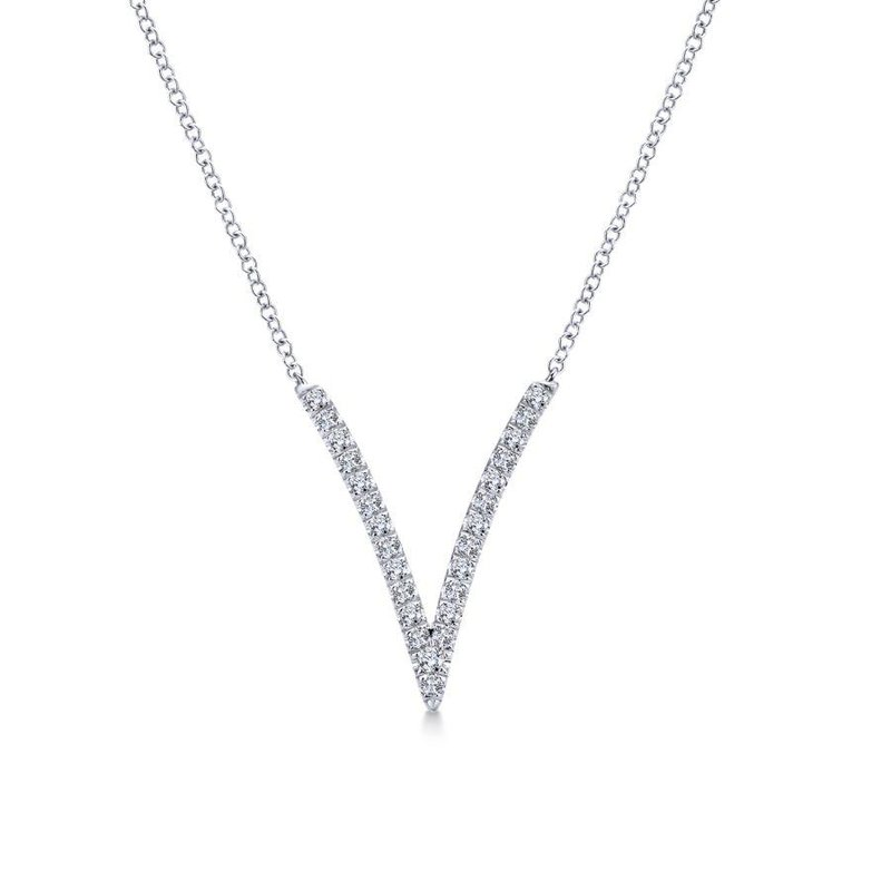 Amavida 14K White Gold Diamond V Pendant Necklace