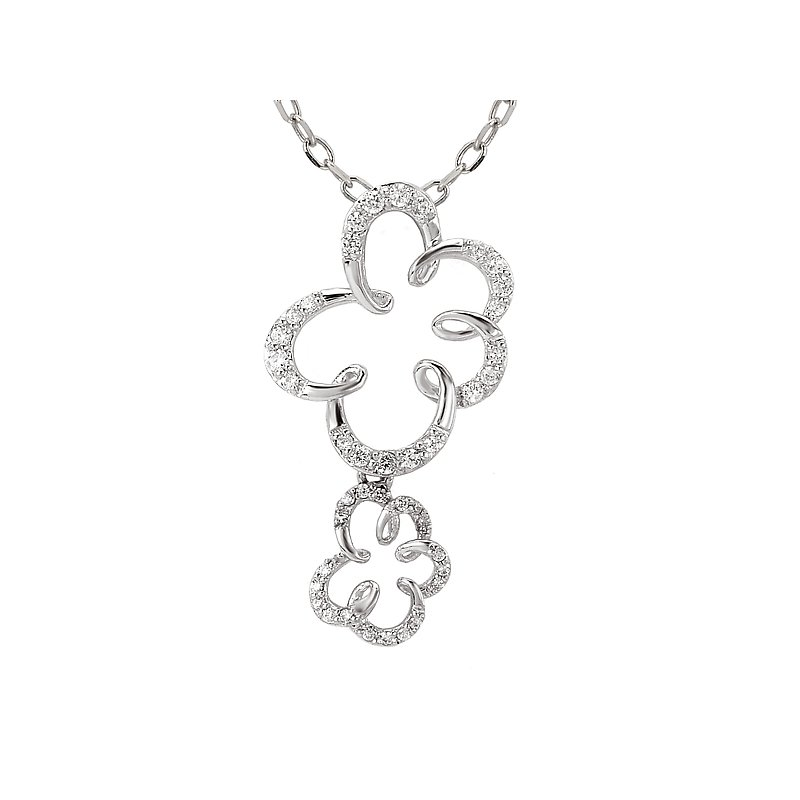 14kw Diamond Flower Shaped Pendant