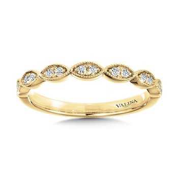 Scalloped Milgrain Diamond Wedding Band