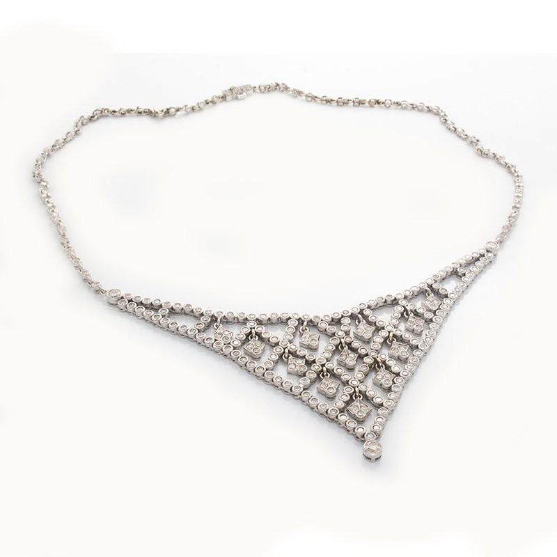 William Levine 5.71 CARAT DIAMOND NECKLACE