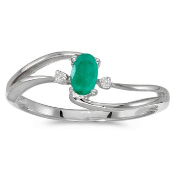 10k White Gold Oval Emerald And Diamond Wave Ring