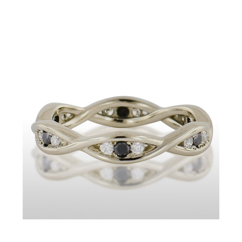 Novell Ladies' White Gold Black and Traditional Diamond Ring