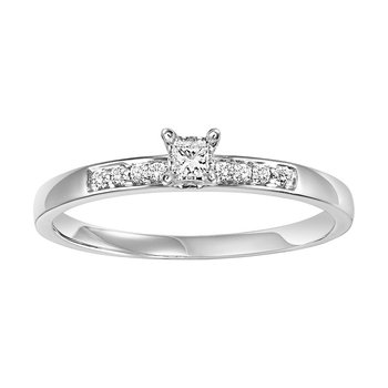 14K Diamond Engagement Ring 1/10 ctw complete