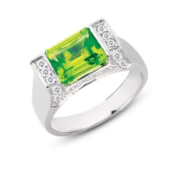 Peridot. & Diamond Ring
