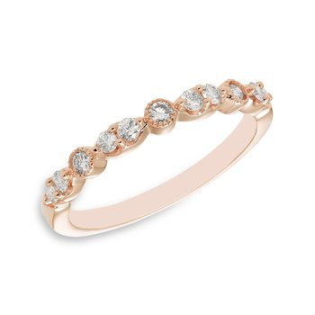 Rose gold & diamond vintage-inspired wedding band