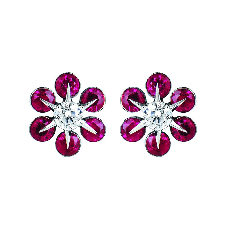Ostbye Earrings Rd V 0.18 Ru 0.68