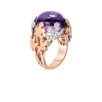 18Kt Gold Cabochon Ring With Amethsyst And Diamonds