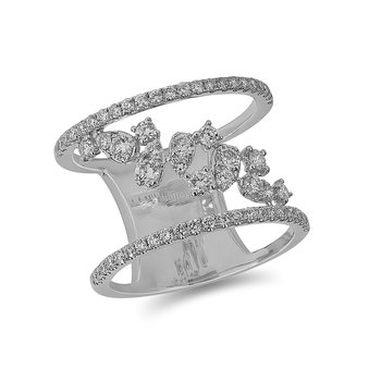 14K WG and diamond Fashion ring in prong setting