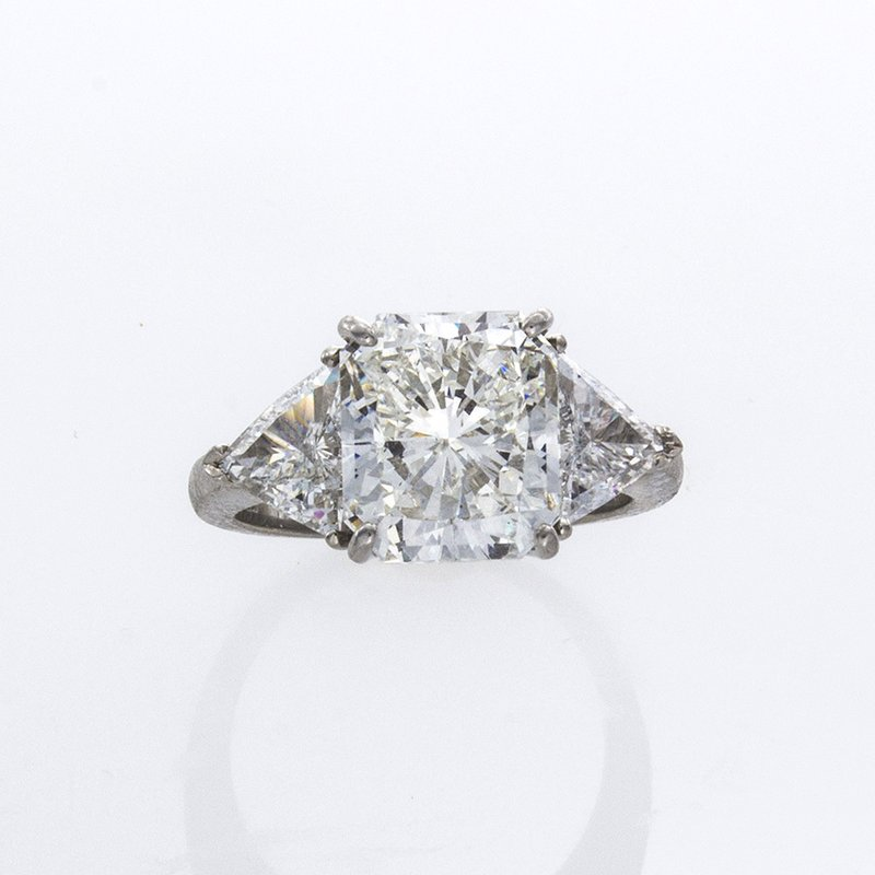 William Levine RADIANT CUT DIAMOND 3-STONE RING