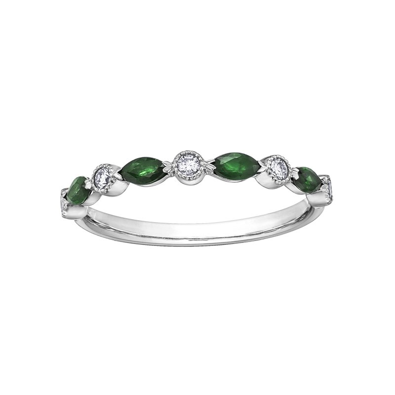Lasting Treasures Emerald Ladies Ring