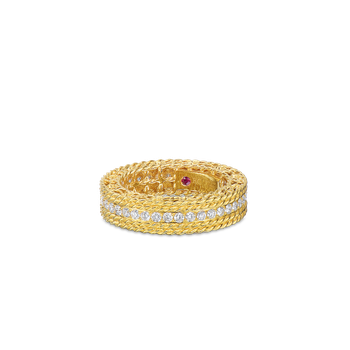 18Kt Gold Round Diamond Ring