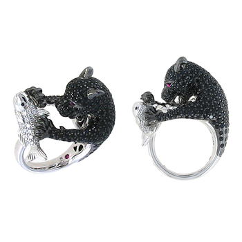 18KT GOLD WHITE DIAMOND, BLACK SAPPHIRE BEAR RING