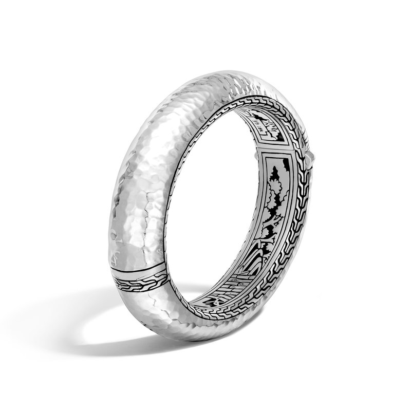 JOHN HARDY Classic Chain 16MM Hinged Bangle in Hammered Silver