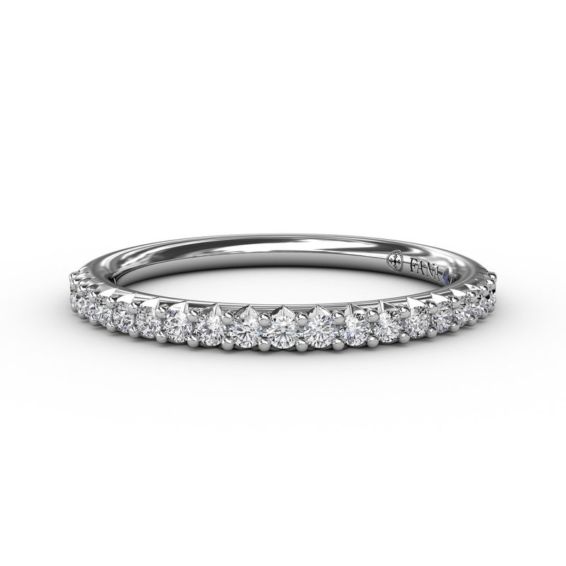 Fana Delicate Modern Shared Prong Anniversary Band