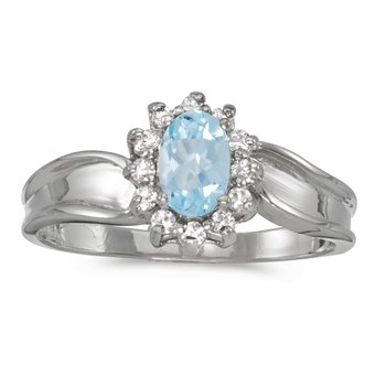 14k White Gold Oval Aquamarine And Diamond Ring