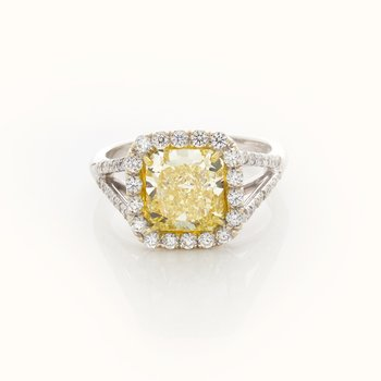 YELLOW RADIANT CUT DIAMOND 2.42 CTS