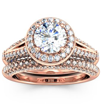 Round Diamond Halo Engagemant Ring with Matching Wedding Band
