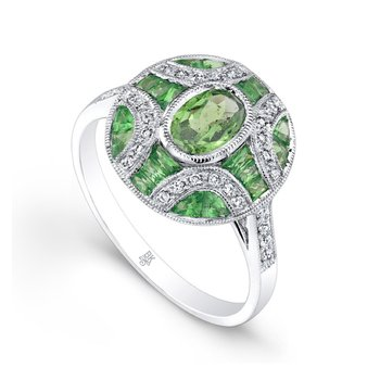 Oval Tsavorite Fashion Ring