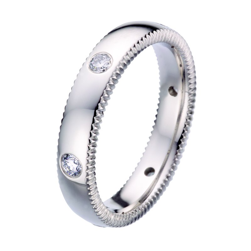 per Amoré Quoin edge rounded with diamonds