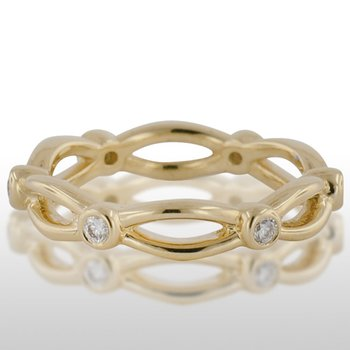 Ladies Yellow Gold Diamond Ring