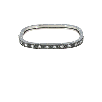 18KT GOLD 1 ROW BANGLE WITH BLACK AND WHITE DIAMONDS