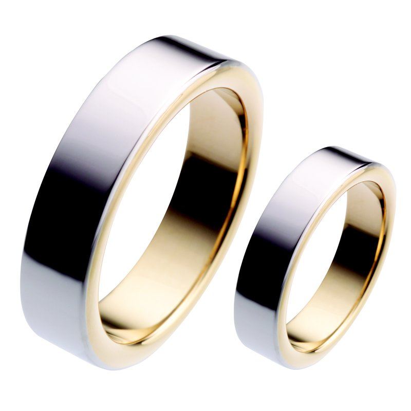 per Amoré Platinum & yellow gold flat band with rolled edges