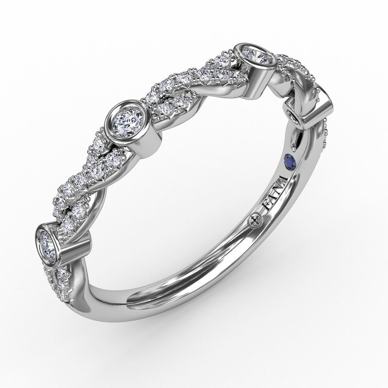 Fana Twisted Prong Set Band with Diamond Bezel Stations