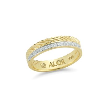 Scrolling Yellow Gold & Diamond Ring