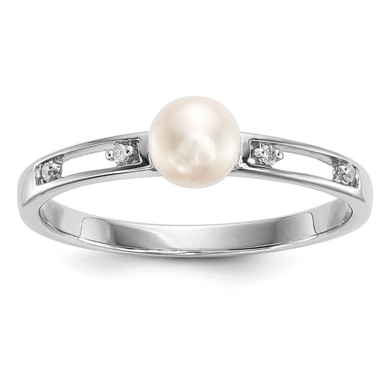 Quality Gold 14k White Gold Freshwater Cultured Pearl and Diamond Ring