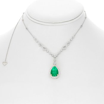Pear-shaped Emerald Halo Necklace
