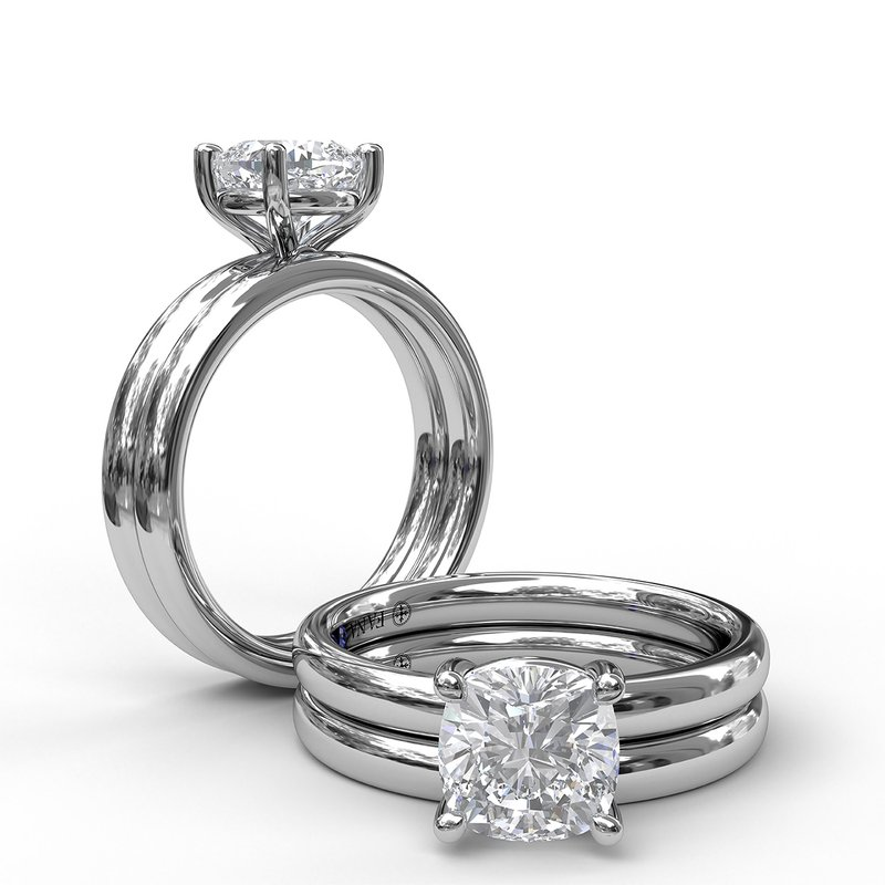 Fana Classic Cushion Cut Solitaire