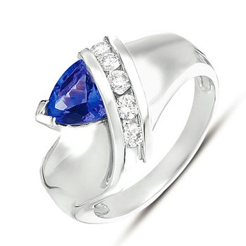 Tanzanite./ Diamond Ring