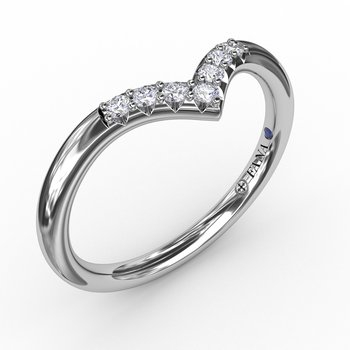 Shared Prong Chevron Diamond Band