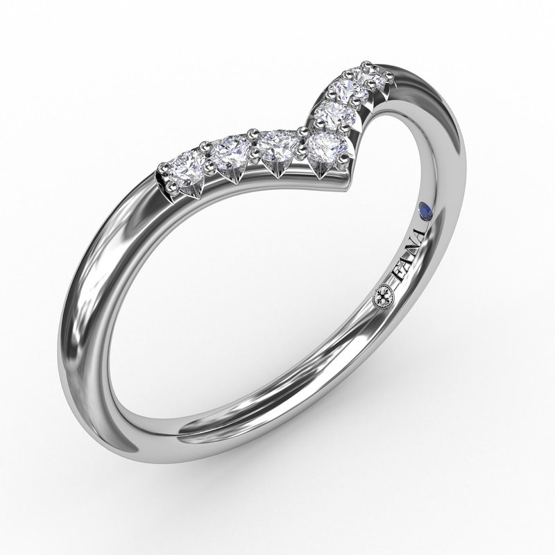 Fana Shared Prong Chevron Diamond Band