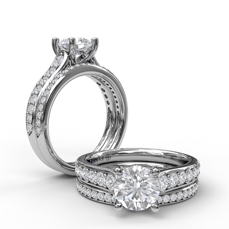 Fana Classic Single Row Diamond Engagement Ring