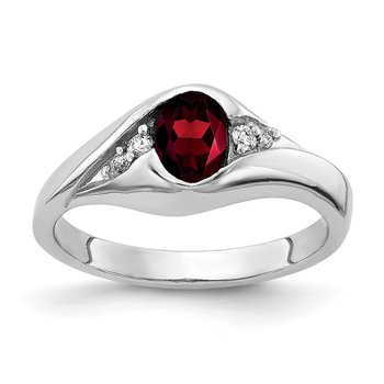 14k White Gold 6x4mm Oval Garnet AA Diamond ring