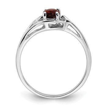 14k White Gold 6x4mm Oval Garnet ring