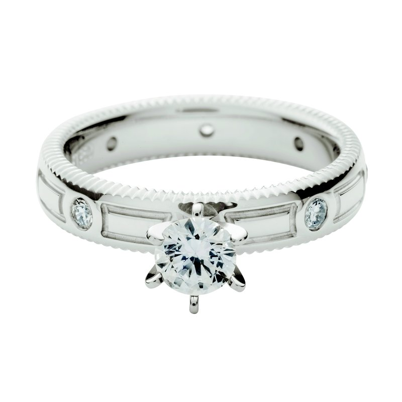 per Amoré Quoin edge embossed solitaire with diamonds